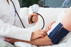 ◆◆降圧治療の用量設定における遠隔監視の有無での 自己血圧モニタリングの有効性(TASMINH4)◆◆