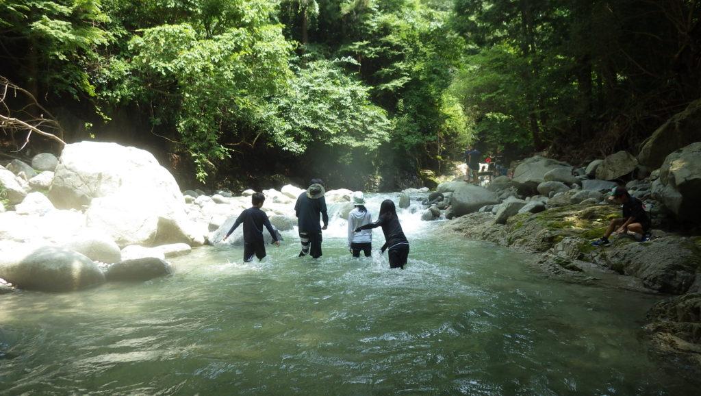鈍川の自然を満喫!シャワートレッキング