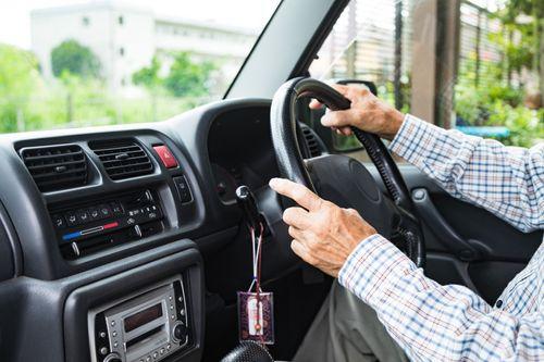 高齢者の安全な運転を支えるために