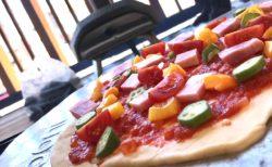 お家で簡単!手作りピザ